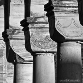 Klosterruine schwarz-weiss