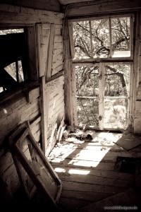 verlassene Gartenhütte