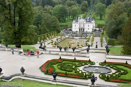Schloss Linderhof mit Parkanlage