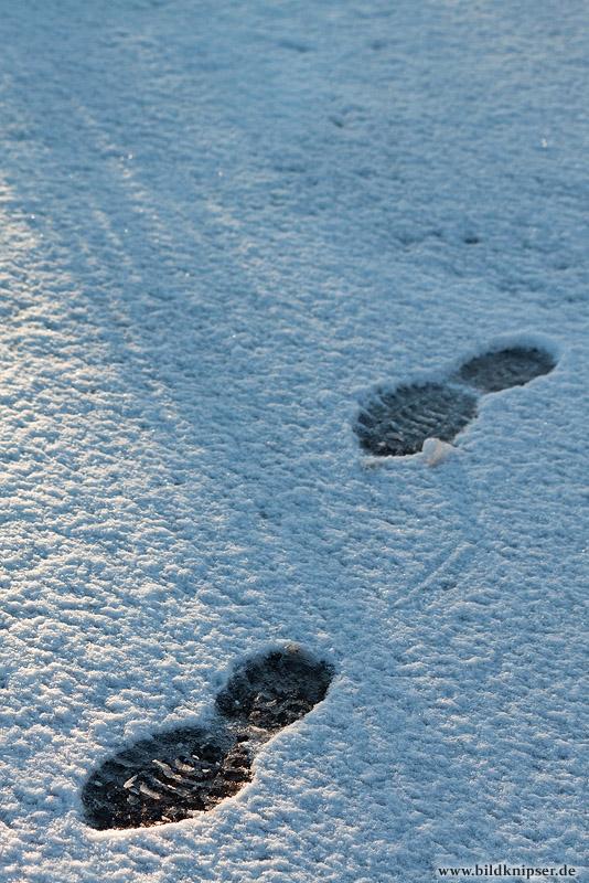 letzte Schritte im Schnee