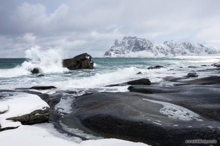 Wellenbrecher bei Uttakleiv
