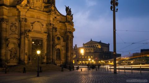 vor der Hofkirche