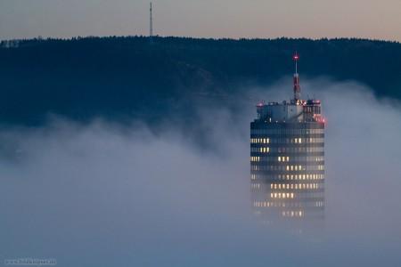 Jenatower im Nebelmeer
