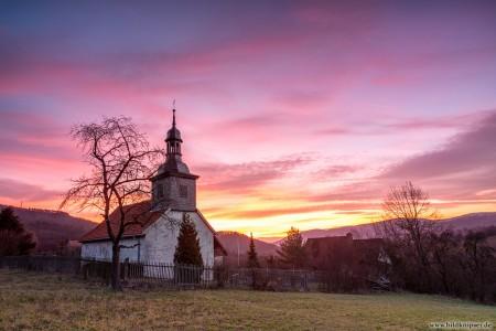 Dorfkapelle im Morgengraunen