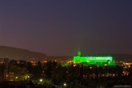 grün angeleuchtete Heidecksburg zum St Patricks Day